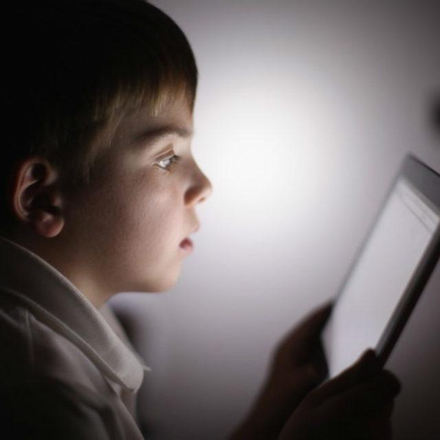 Новий додаток для смартфонів, що допоможе передбачити синдром сухого ока у дітей