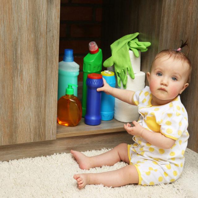 Малюки мають найбільший шанс хімічного ураження очей