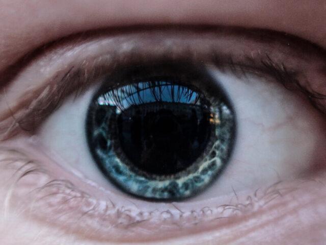 Новий метод візуалізації, що дасть можливість бачити судини, які знаходяться за очним яблуком