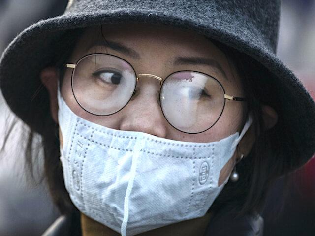 Чи захищають окуляри від зараження COVID-19?